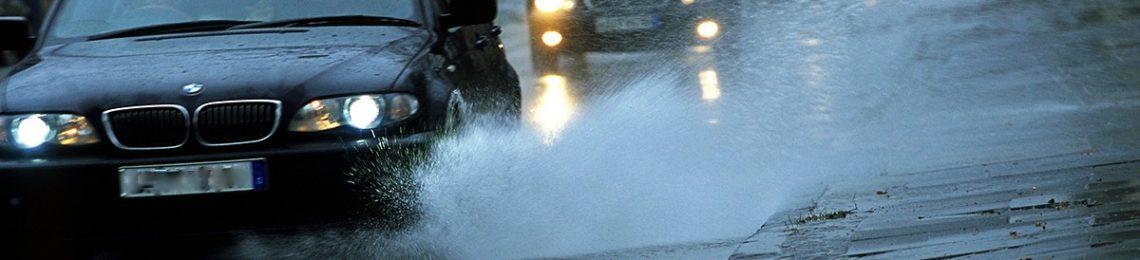 Regen auf der Strasse
