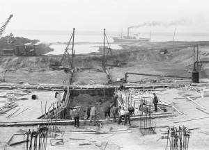 Zweite Verlegung der Emscher in Dinslaken am Stapp im Jahr 1948, Foto: Archiv EMSCHERGENOSSENSCHAFT.