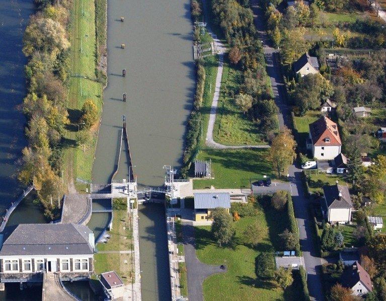 Provisorischer Weg hält Adenauerallee offen