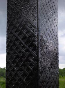 Detail des Carbon Obelisk (Foto: Roman Mensing/Emscherkunst)