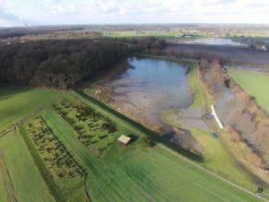 Eine kurzzeitige Seenlandschaft hat sich gebildet. Fotos: Michael Kemper/Lippeverband