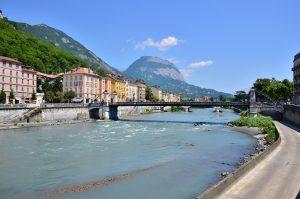 Der Fluss Isère in Grenoble. Foto: Ilias Abawi