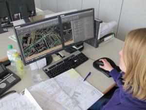 Veronica Klink begann ihre Ausbildung als Bauzeichnerin, heute steht sie vor dem Abschluss als Ingenieurin.