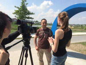 Meine Wenigkeit im Interview... Foto: Felicitas Fehrer