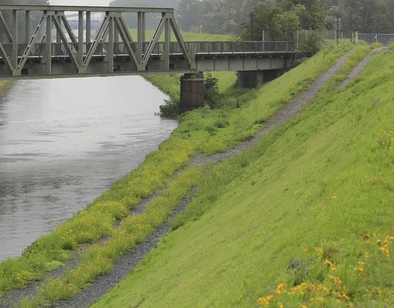 Hochwasser sprintet durch die Emscher!