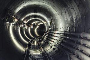 Durch diese Röhre, hier ein Foto des Abwasserkanals Emscher in Oberhausen, wird in einigen Jahren das Abwasser aus der Emscher verschwinden - und der Duft gleich mit... Foto: Rupert Oberhäuser