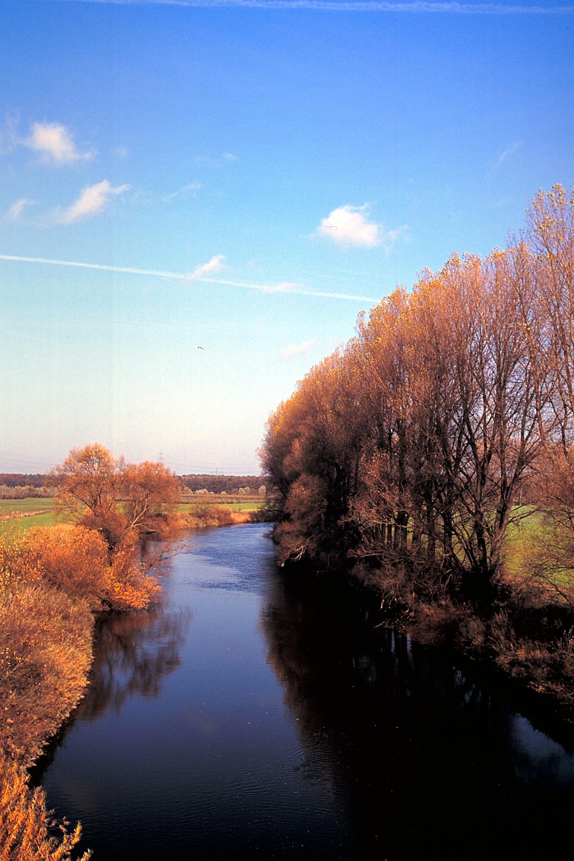 Hinter Dorsten beginnt der Kreis Wesel. Die Lippe bei Krudenburg - hier im Herbst - gehört zu den schönsten Flussabschnitten.