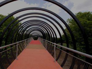 Über die Rampe geht es zur Brücke hoch. Foto: Durchleuchter