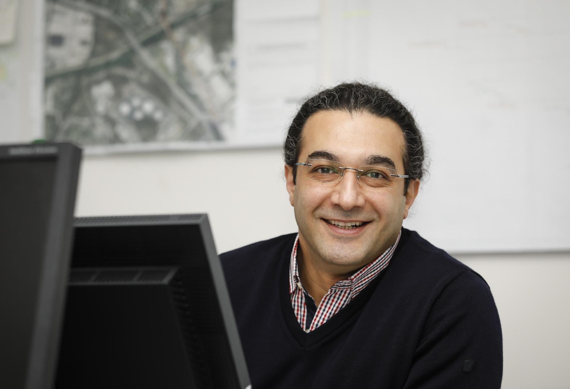 Amir Golzari (42)
