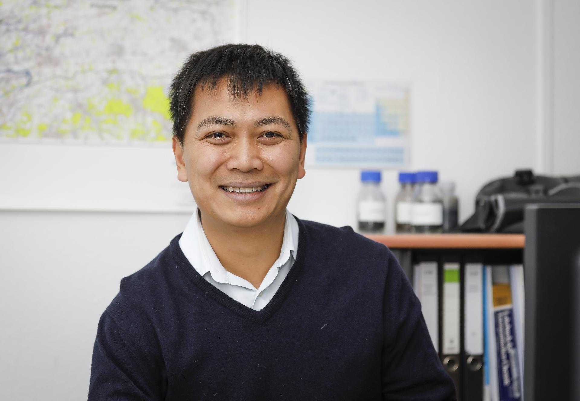 Dr. Linh-Con Phan (42)