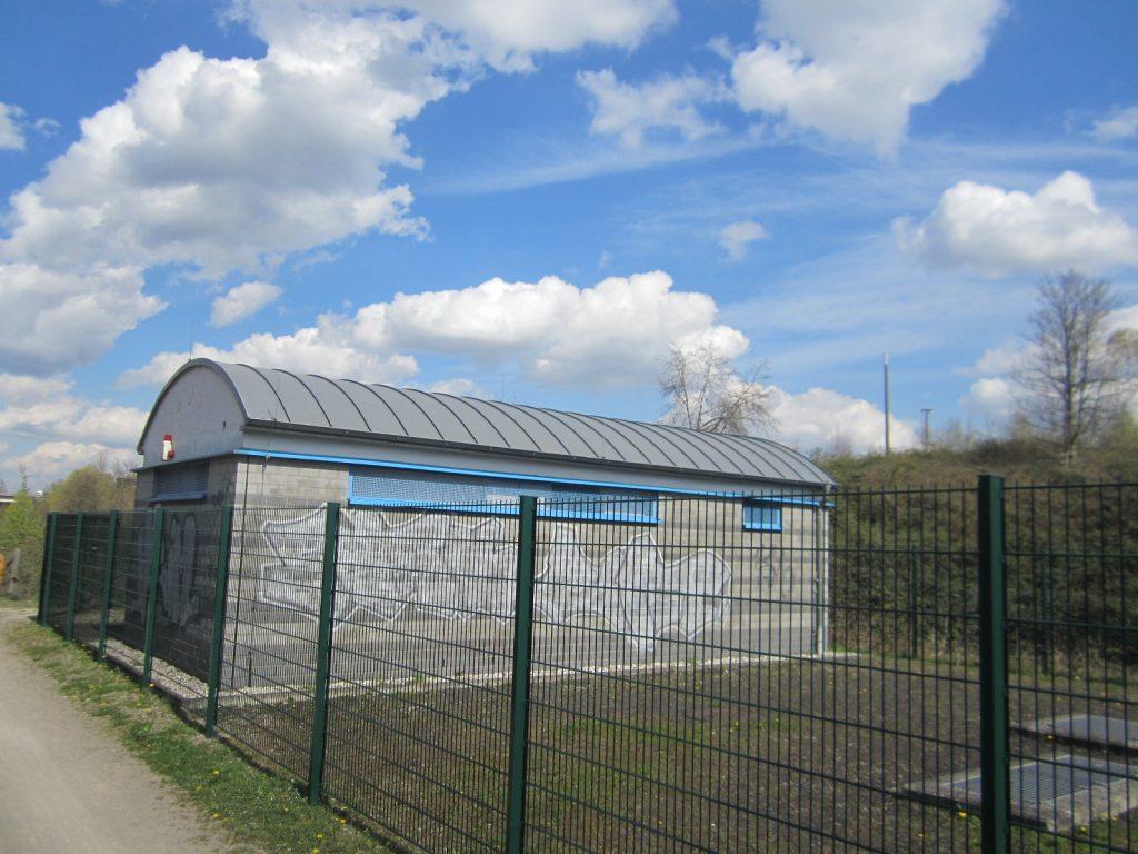 Recht unscheinbar sah das Gebäude an der Dorstfelder Allee vorher aus...
