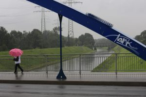 Nicht immer beliebt, aber dennoch interessant: Regen (hier im Sommer 2016 an der Emscher in Essen). Foto: Rupert Oberhäuser/Emschergenossenschaft