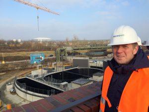 Bei eisiger Kälte auf der Baustelle für das neue Pumpwerk in Gelsenkirchen.