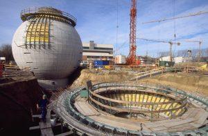 Der Bau der Kamener Faulbehälter im Jahr 1998. Foto: Jochen Durchleuchter/Lippeverband