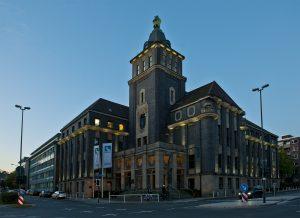 Hier sitzen wir: das Haupthaus von Emschergenossenschaft und Lippeverband. Foto Klaus Baumers/EGLV