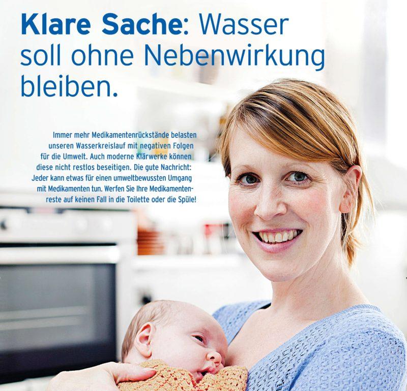 Die lachende Mutter ist ein schönes Motiv für Wartezimmer in Arztpraxen
