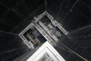 Ein Blick in den fast 40 Meter tiefen Saugraum des Pumpwerks Bottrop - von dort unten befördern gewaltige Pumpen das Abwasser nach oben in unsere Kläranlage. Foto: Rupert Oberhäuser/EGLV