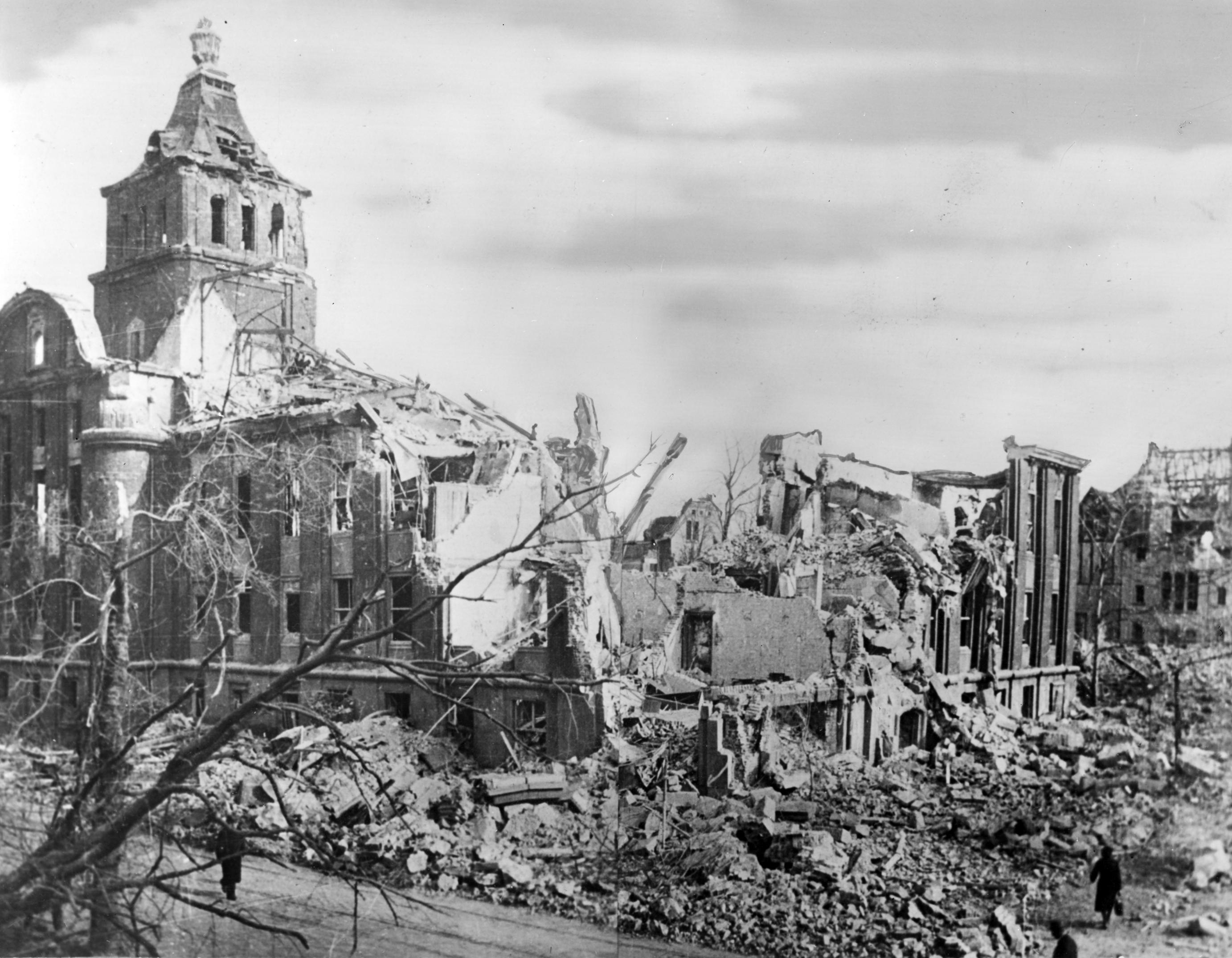 Essen Emscherhaus zerstört II