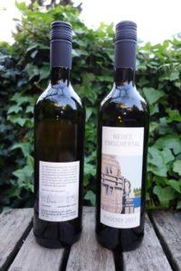 Sie sind da: die ersten Flaschen unseres jüngsten Jahrgangs von der Emscher. Foto: Helmut Herter