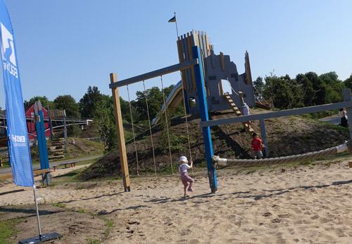 Ob bei diesem Spielhügel die Hörder Burg Pate gestanden hat? Fotos: Carolin Stadtkowitz/EGLV