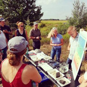 Vortrag an der Seseke. Eine sichtbare Verbesserung der Wasserqualität. Foto: Elena Burges/EGLV