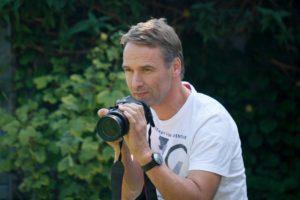 Peter zur Mühlen ist schon seit seiner Jugend begeisterter Hobbyfotograf. Foto: Thorsten Schipke