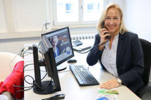 Andrea Holte hier an ihrem Arbeitsplatz im Essener Büro. Foto: Celina Winter/EGLV