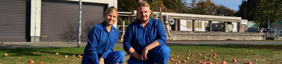 Vanessa Schonert und Nils Böttcher bewirtschaften unsere Kläranlage in Herten-Westerholt. Foto: Anne-Kathrin Lappe / EGLV