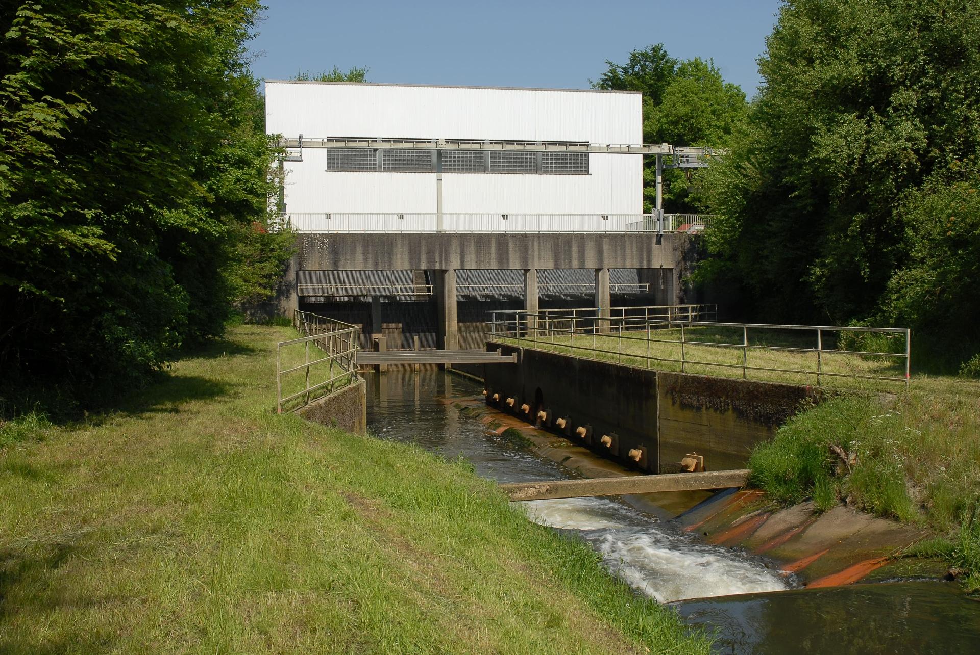 Am Sickingmühlenbach in Marl steht das leistungsstärkste Pumpwerk der Lippe-Region: Mit 3.840 Kilowatt installierter Leistung ist es so stark wie ein ICE-Triebwagen! Foto: Diethelm Wulfert/EGLV